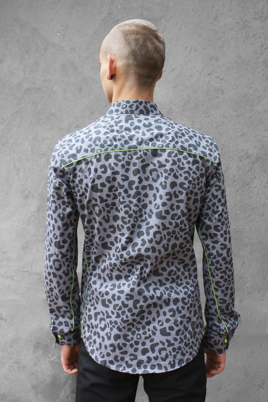 f9f6287f8fb0 Baïsap - Grey Leopard print shirt - Leopard print shirt for men ...