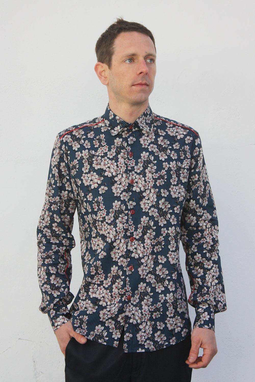 chemise homme fleur cerisier bleu ba sap. Black Bedroom Furniture Sets. Home Design Ideas