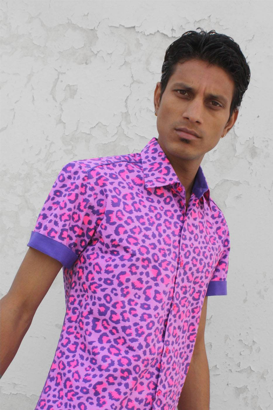 0678763ed239 ... Baïsap - Leopard shirt for men, short sleeve - Pink Leopard - Short  sleeve dress ...